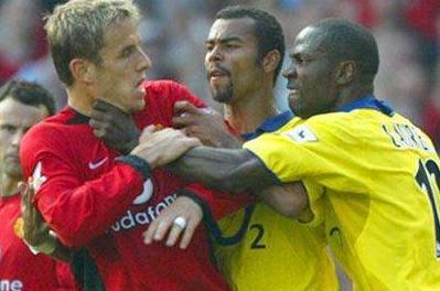 En ünlü futbolcu kavgaları galerisi resim 16
