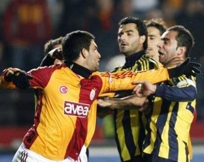 En ünlü futbolcu kavgaları galerisi resim 7