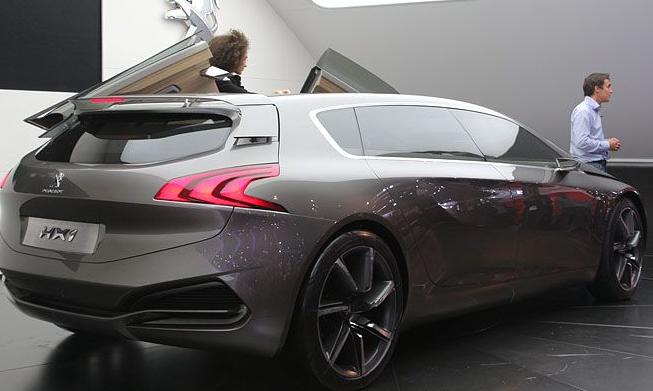 Bu otomobillere bakan bir daha bakıyor galerisi resim 40