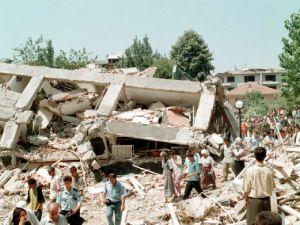 Fotoğraflarla 17 Ağustos depremi!