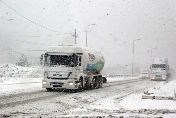 Bolu Dağı'nda mevsimin ilk karı! galerisi resim 4
