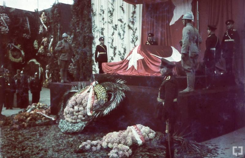 Atatürk'ün naaşının orjinal nakil fotoğrafları galerisi resim 2