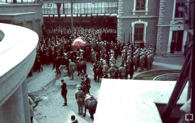 Atatürk'ün naaşının orjinal nakil fotoğrafları galerisi resim 5
