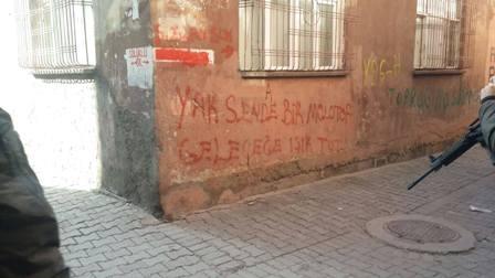 """Diyarbakır Sur'dan haber var """"GELEN MEKTUPLAR GÜÇ VERİYOR"""" galerisi resim 25"""