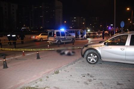 Konya'da iki kişi sokak ortasında öldürüldü galerisi resim 1