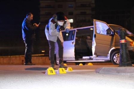 Konya'da iki kişi sokak ortasında öldürüldü galerisi resim 8