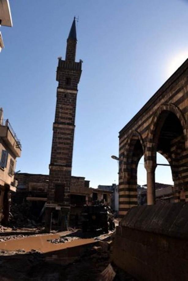 Sur'da teröristlere bu çağrı yapılıyor! galerisi resim 10