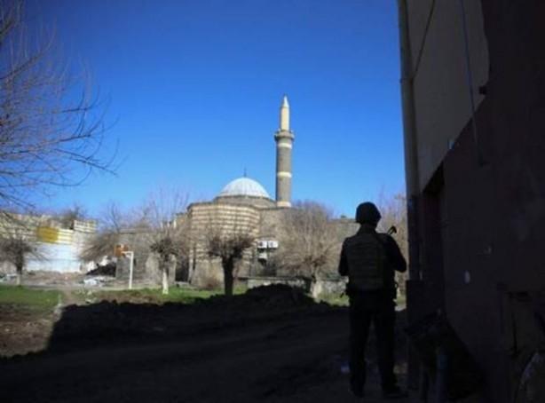 Sur'da teröristlere bu çağrı yapılıyor! galerisi resim 19