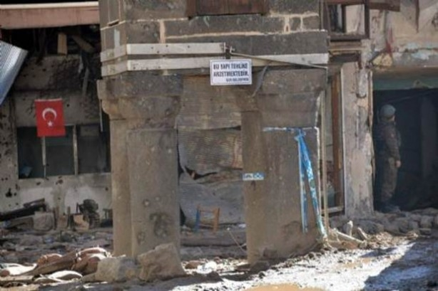 Sur'da teröristlere bu çağrı yapılıyor! galerisi resim 3