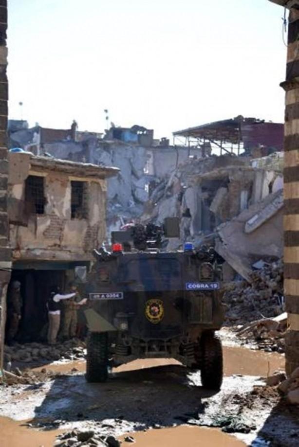Sur'da teröristlere bu çağrı yapılıyor! galerisi resim 7