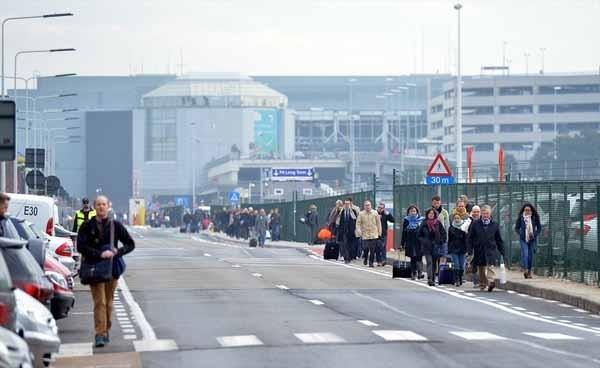 Brüksel patlaması havalimanından ilk fotoğraflar dehşet! galerisi resim 13