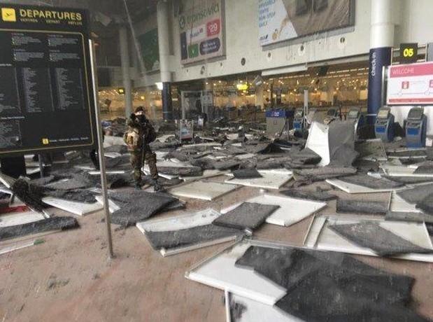 Brüksel patlaması havalimanından ilk fotoğraflar dehşet! galerisi resim 2