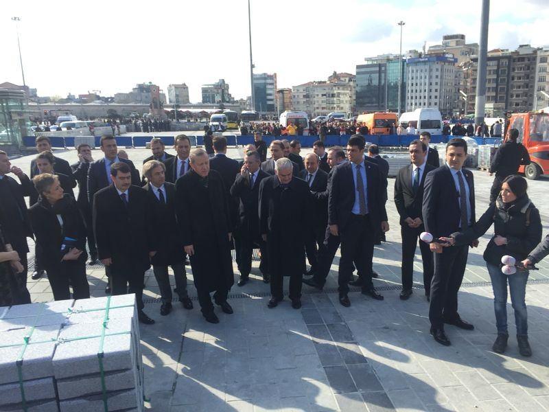 Cumhurbaşkanı Erdoğan Taksim'de galerisi resim 10