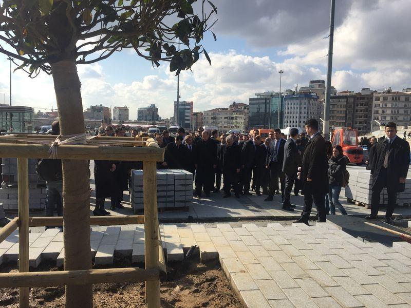 Cumhurbaşkanı Erdoğan Taksim'de galerisi resim 9