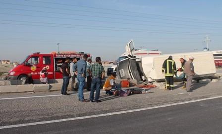 Konya'da Minibüs ile Otomobil Çarpıştı: 1 Ölü galerisi resim 6
