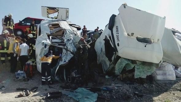 Konya'da feci kaza: 7 ölü galerisi resim 5