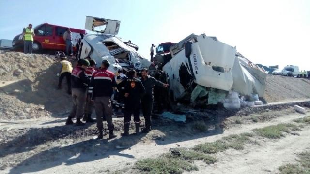 Konya'da feci kaza: 7 ölü galerisi resim 9