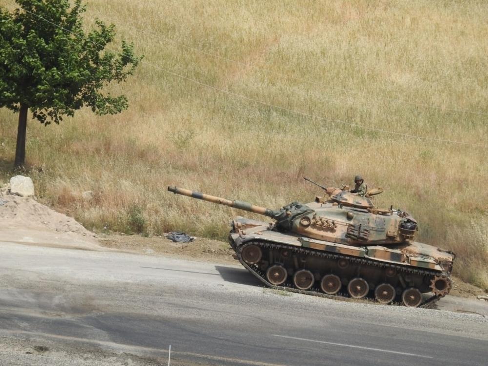Tanklar üslerine geri dönüyor galerisi resim 3