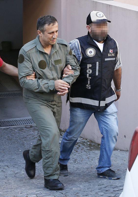 İşte tutuklanan komutanlar galerisi resim 14