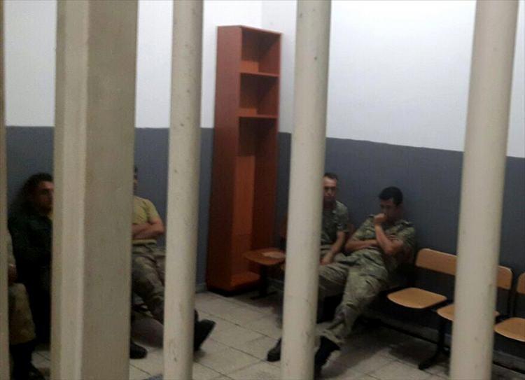 İşte tutuklanan komutanlar galerisi resim 30
