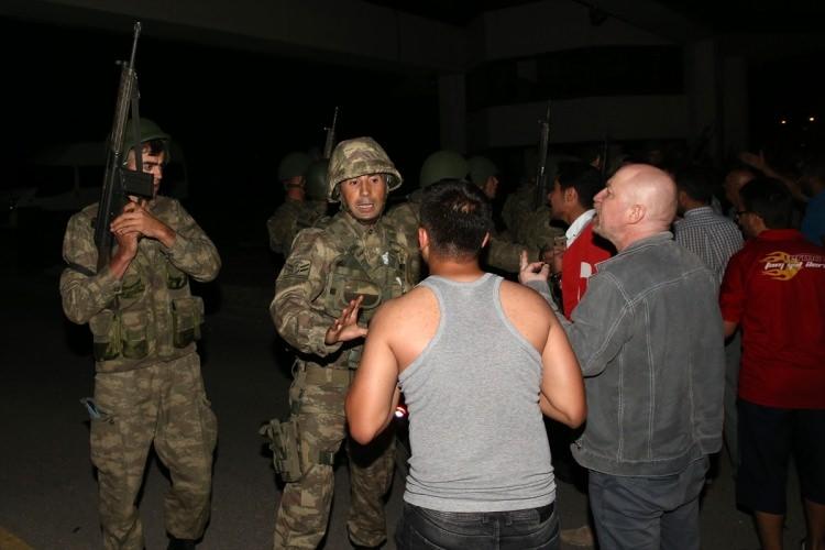 İşte tutuklanan komutanlar galerisi resim 49