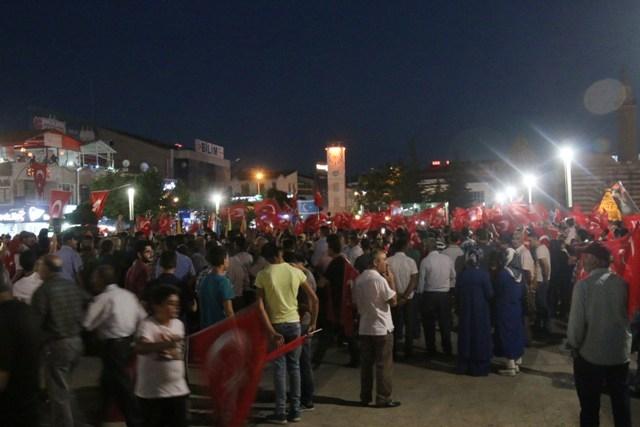 Konya'da darbe girşimine tepkiler galerisi resim 14