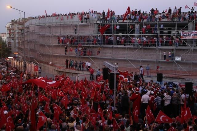 Konya'da darbe girşimine tepkiler galerisi resim 16