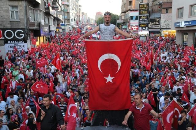 Konya'da darbe girşimine tepkiler galerisi resim 20
