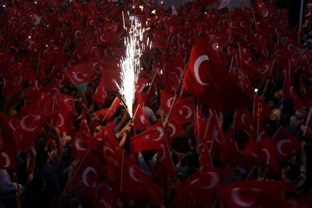 Konya'da darbe girşimine tepkiler galerisi resim 21