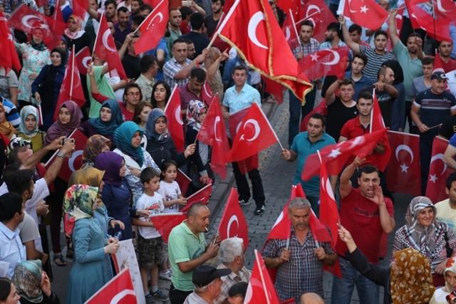 Konya'da darbe girşimine tepkiler galerisi resim 23