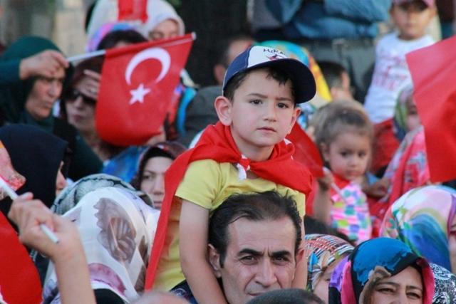 Konya'da darbe girşimine tepkiler galerisi resim 25
