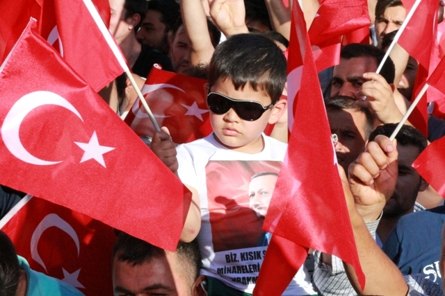 Konya'da darbe girşimine tepkiler galerisi resim 27