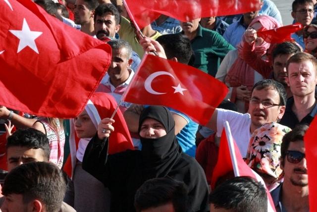 Konya'da darbe girşimine tepkiler galerisi resim 28
