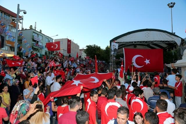 Konya'da darbe girşimine tepkiler galerisi resim 31