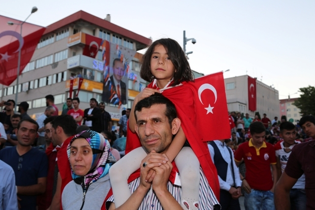 Konya'da darbe girşimine tepkiler galerisi resim 34