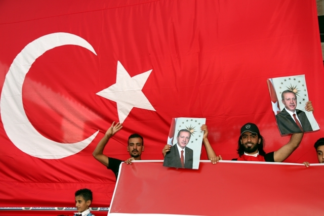 Konya'da darbe girşimine tepkiler galerisi resim 36