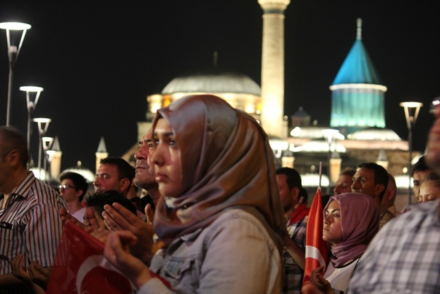 Konya'da darbe girşimine tepkiler galerisi resim 49
