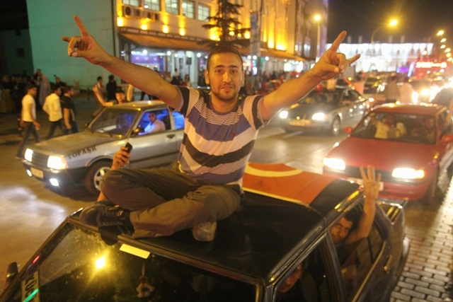 Konya'da darbe girşimine tepkiler galerisi resim 50