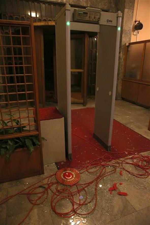 Meclisteki tahribatı herkes görecek galerisi resim 3