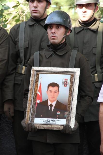 Şehit J. Uzm. Çvş Hamdi Karagöz toprağa verildi galerisi resim 28