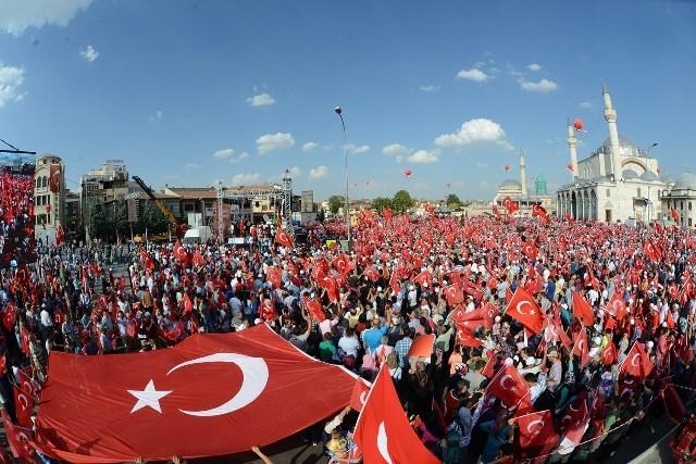 "Konya'da ""Demokrasi ve Şehitler Mitingi"" galerisi resim 1"