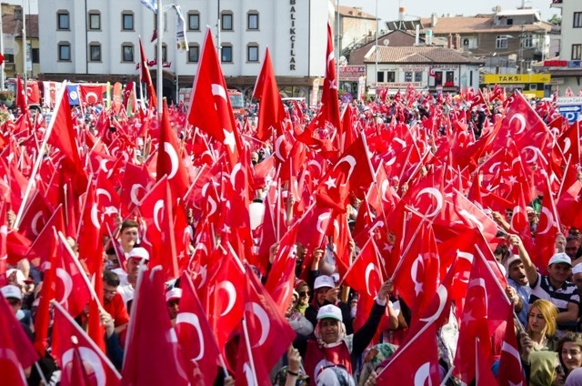 "Konya'da ""Demokrasi ve Şehitler Mitingi"" galerisi resim 13"