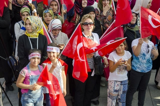 "Konya'da ""Demokrasi ve Şehitler Mitingi"" galerisi resim 15"