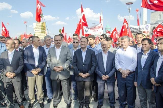 "Konya'da ""Demokrasi ve Şehitler Mitingi"" galerisi resim 18"