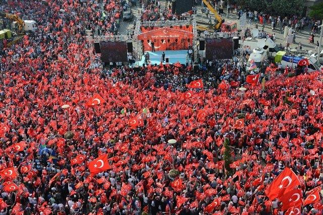 "Konya'da ""Demokrasi ve Şehitler Mitingi"" galerisi resim 2"
