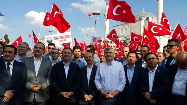 "Konya'da ""Demokrasi ve Şehitler Mitingi"" galerisi resim 5"