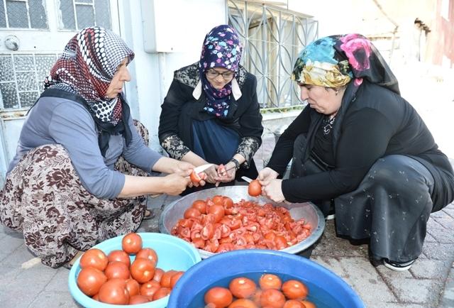 Kadınların 'İmece' usulu kış hazırlığı galerisi resim 5