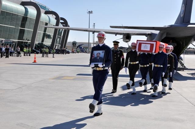 Şehit Jandarma Uzman Çavuş Enes Kaya'ya son görev galerisi resim 2