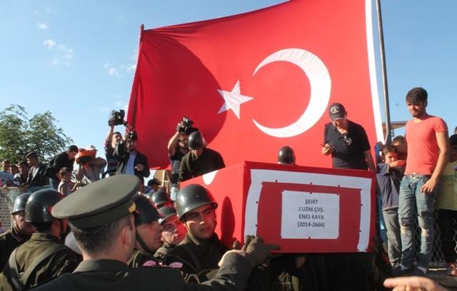 Şehit Jandarma Uzman Çavuş Enes Kaya'ya son görev galerisi resim 21