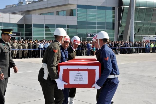 Şehit Jandarma Uzman Çavuş Enes Kaya'ya son görev galerisi resim 3